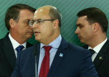 Guerra de Witzel contra o clã Bolsonaro