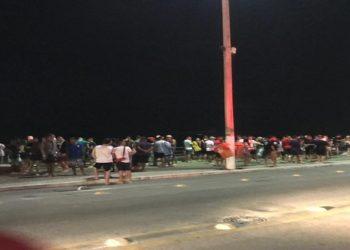 Aglomeração em Cabo Frio operação apreende caixas de som