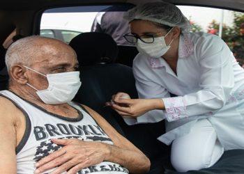 Dia D de vacinação contra a Covid 19 para idosos com mais de 85 anos. Macaé/RJ. Data: 20/02/2021. Foto: Rui Porto Filho